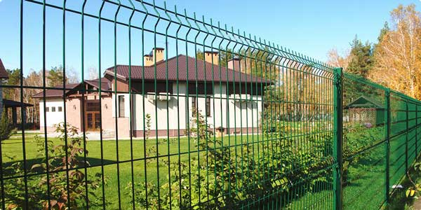 welded mesh panels and fence post