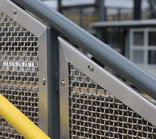 Wire-Mesh-Handrails