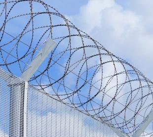 Concertina-Razor-Wire-Coils-Concertina-Fence-Buy-Concertina-Wire