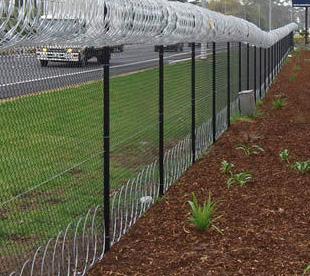 Razor-Wire-Fence-Suppliers-Spiral-Razor-Barbed-Wire-Coils