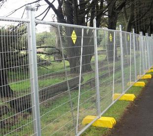 Metal-Mesh-Fencing-Temporary-Fencing